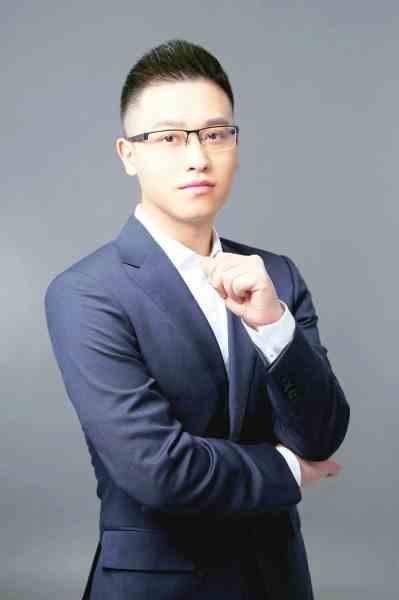 纵横中文网大神作家_2008年4月,在起点中文网开始创作处女作《魔兽剑圣异界纵横》,5月