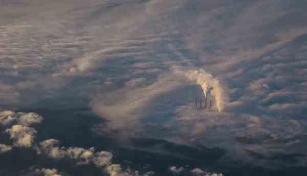 美国科学家:4月大气二氧化碳月均浓度创观测史上最大值