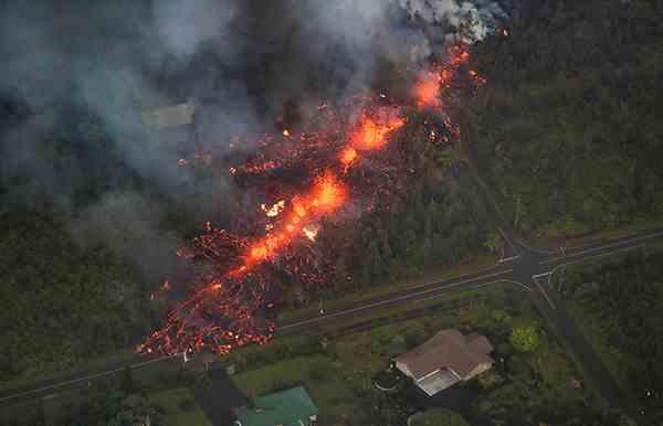 夏威夷基拉韦火山喷发加剧 周边居住区已有21户人家被毁