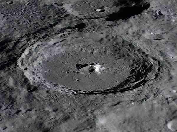 日本科学家:月球地下土壤每立方米或可提取6升水