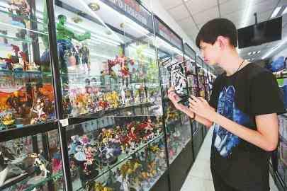 """定标""""中国迪士尼"""",她底气何在?从一间小门头到1800多家店 馨漫园打造""""动漫王国"""""""